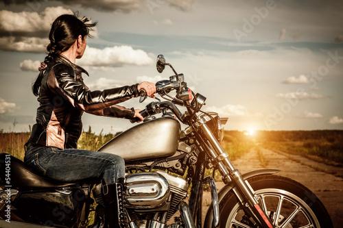Девушка мотоцикл дорога бесплатно