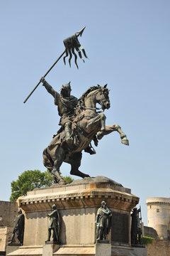 Statue Guillaume le Conquêrant à Falaise 5