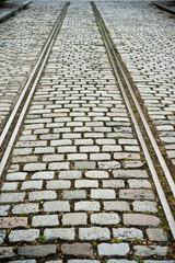ancienne voie de chemin de fer et pavés