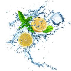 Deurstickers In het ijs Lemons in water splash