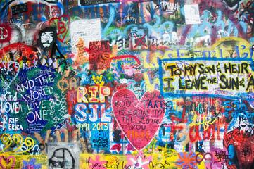 Foto auf AluDibond Graffiti Colorful John Lennon wall in Prague