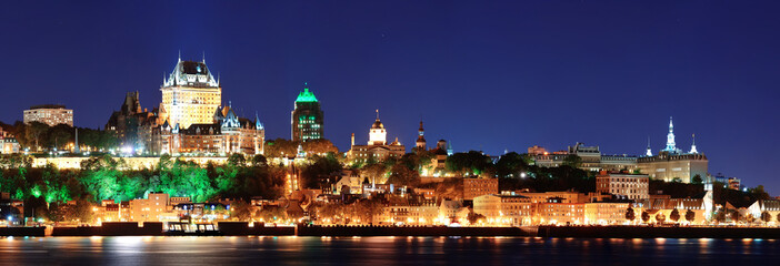 Fototapete - Quebec City at night