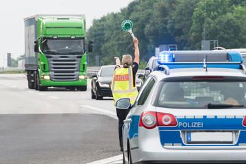 Fahrzeugkontrolle der Polizei