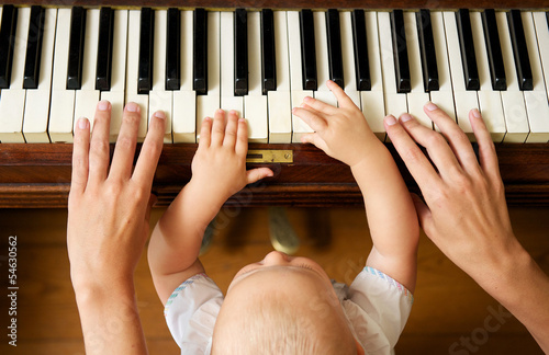 essay the piano lesson Julia e hanigsberg, an essay on the piano, law, and the search for women's  desire,  shuts out her daughter while giving baines his piano lesson, leaving.