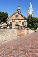 Alexiuskapelle und Domturm in Paderborn