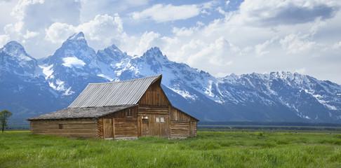Moulton Barn below the Grand Teton mountains in Wyoming