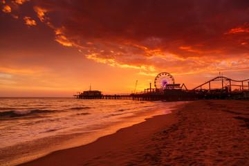 Fotobehang - Santa Monica Pier at sunset
