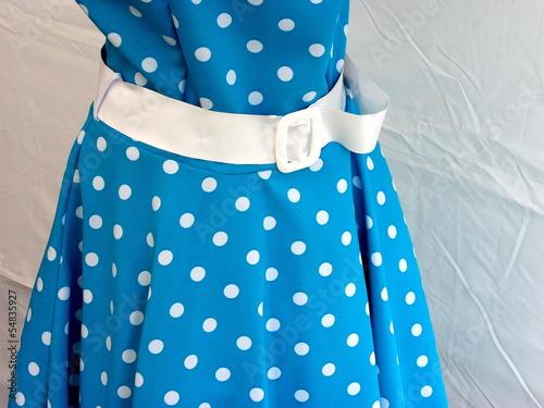 Blaues kleid punkte