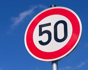 Achtung Tempolimit 50 km/h