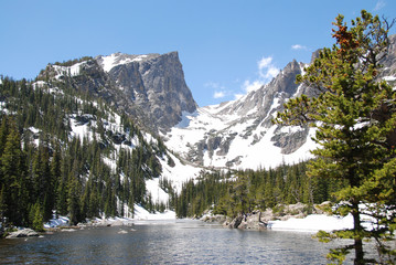 Wall Mural - Dream lake and Hallett Peak, Rocky Mountain National Park, CO