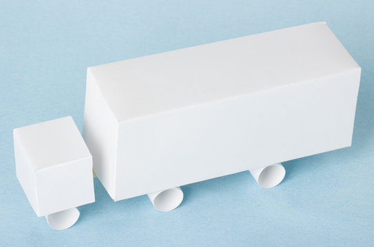 truck model made from paper