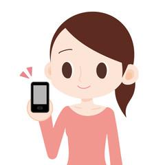 女性 上半身 スマートフォンを見せる