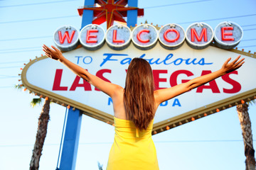Wall Mural - Welcome to Fabulous Las Vegas sign woman happy