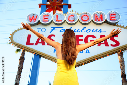 Wall mural Welcome to Fabulous Las Vegas sign woman happy