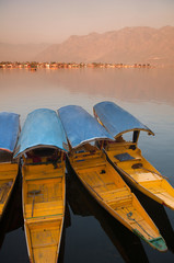 Dal lake, the tourist attractive destination in northern India,