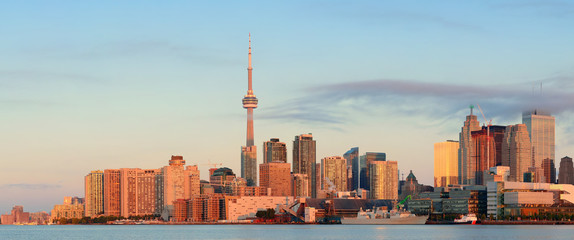 Wall Mural - Toronto sunrise