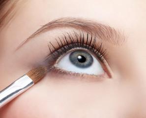 eye shade makeup