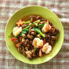 Mushrooms fried shrimp