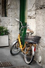 Fototapete - Italian old-style bicycle