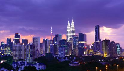 Fotobehang Kuala Lumpur Kuala Lumpur skyline at night