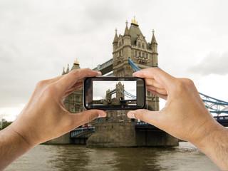 camera mobile at tower bridge