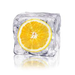 Deurstickers In het ijs Orange in einem Eiswürfel