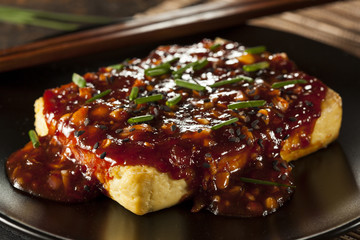 Healthy Organic Grilled Tofu with Spicy Garlic Sauce