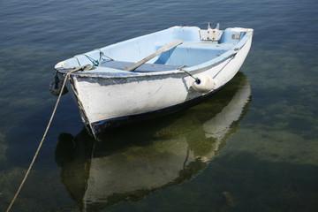 barque sur mer