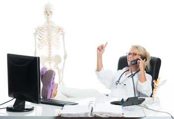 Frau Doktor telefoniert