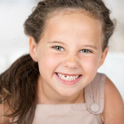 Ein sehr süßes jugendlich Mädchen