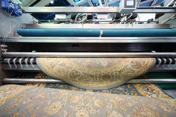Demonstration of machine that cleans wool carpet