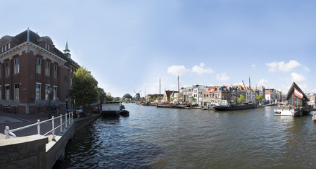 Panoramica Canale Leiden