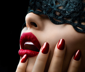 Spoed Fotobehang Fashion Lips Beautiful Woman with Black Lace mask over her Eyes