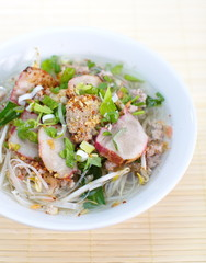 Asian style spicy noodle with pork
