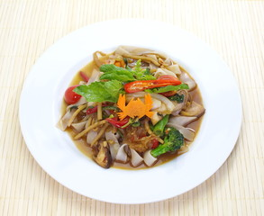 spicy fried noodle with pork