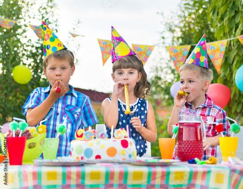 Как весело организовать день рождения дома