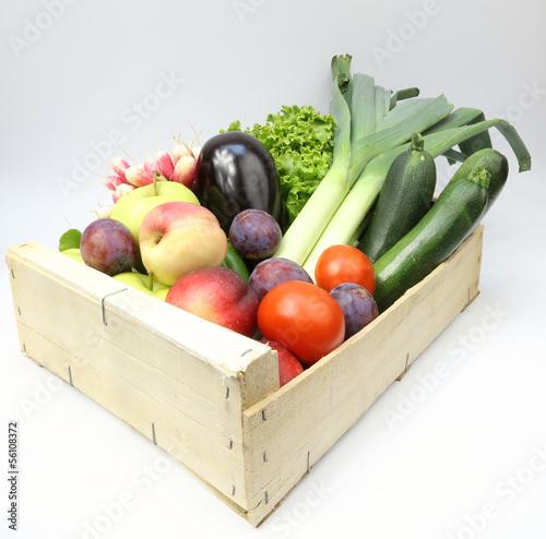 cagette fruits et l gumes photo libre de droits sur la banque d 39 images image. Black Bedroom Furniture Sets. Home Design Ideas
