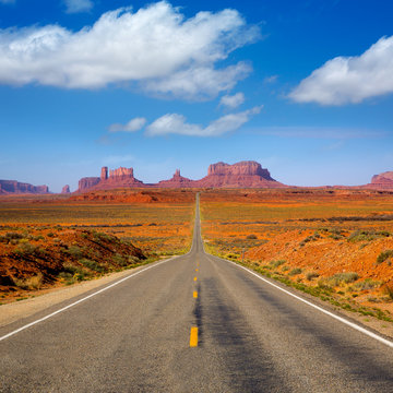 View from US 163 Scenic road to Monument Valley Utah