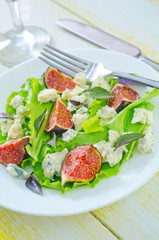 salad with cheese and figs