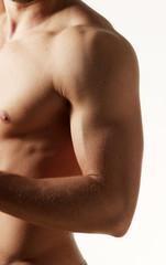 Muskulöser Oberarm eins Sportlers