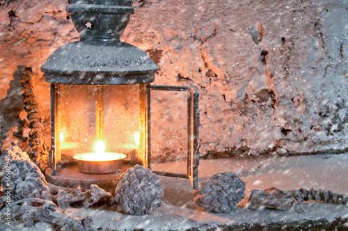 laterne im schnee stockfotos und lizenzfreie bilder auf bild 56502946. Black Bedroom Furniture Sets. Home Design Ideas
