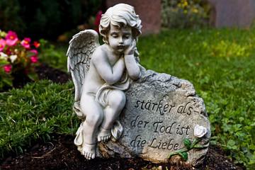 Gedenkspruch auf einem Grab