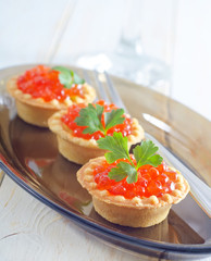 tartalets with caviar