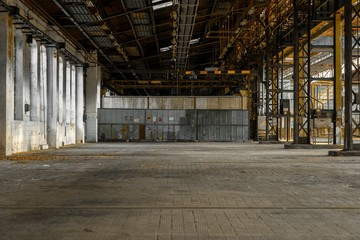 Fototapete - Industrial interior of an old factory