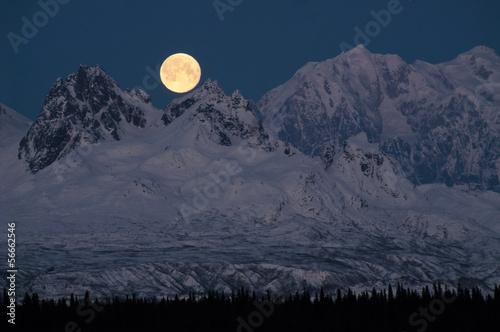 Wall mural Full Moonrise over Mount McKinley Denali Range Alaska Midnight