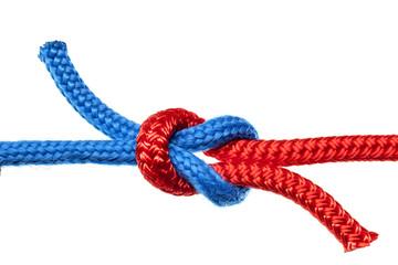 Knoten Verbindung rotes und blaues Seil