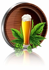 Бокал с пенным пивом и бочкой