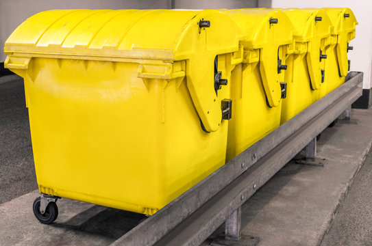 Yellow waste Containers - Recycling bin for special Rubbish
