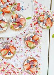 summer berries tartlets