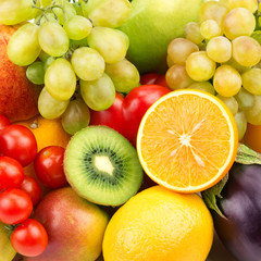 Poster Vruchten bright background of ripe fruit and vegetables